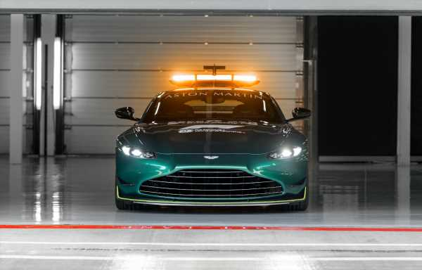 Aston Martin reveals 2021 F1 Safety, Medical car | F1 News by PlanetF1