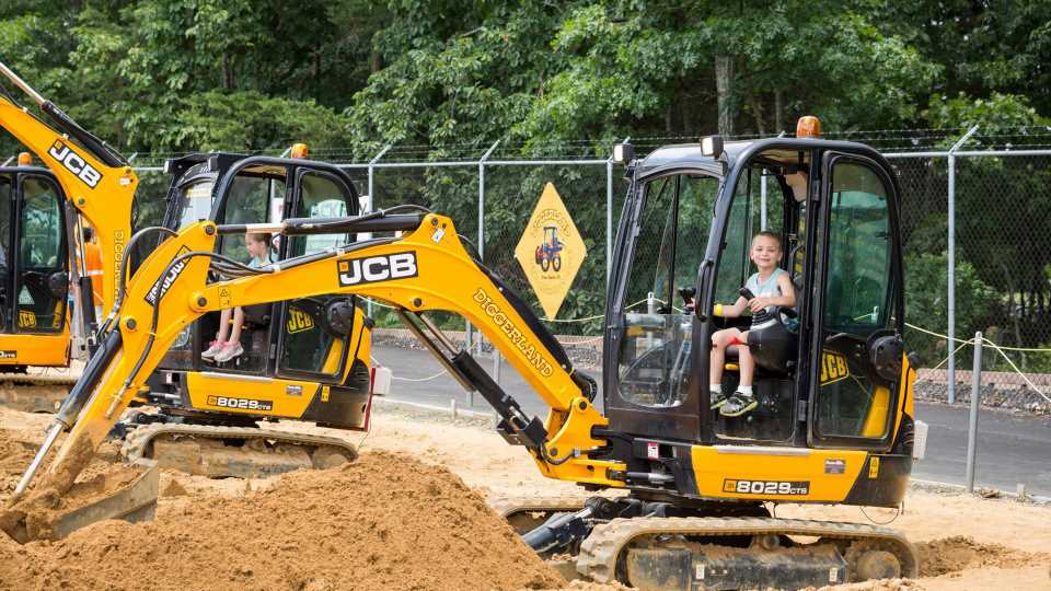 Diggerland: The Amusement Park Where Kids Play With Very Real Construction Equipment