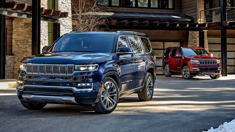 2022 Jeep Grand Wagoneer Revives an Icon With Ultra Luxury and a 6.4L V8 for $89K