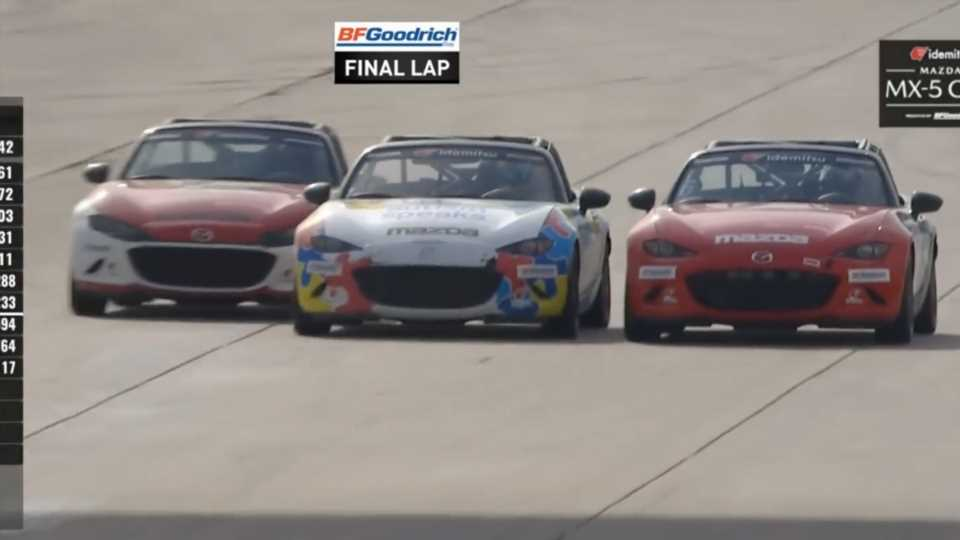 This Three-Wide Finish in the Mazda MX-5 Cup Is the Year's Best Racing so Far