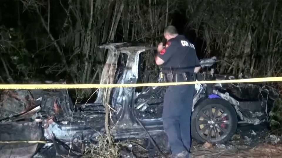Elon Musk Denies Autopilot Use in Fatal Tesla Crash Where Police Claim 'No One Was Driving'
