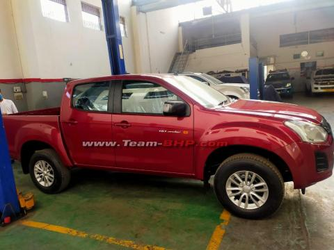 Scoop! Isuzu D-Max Hi-Lander pick-up spotted at dealership