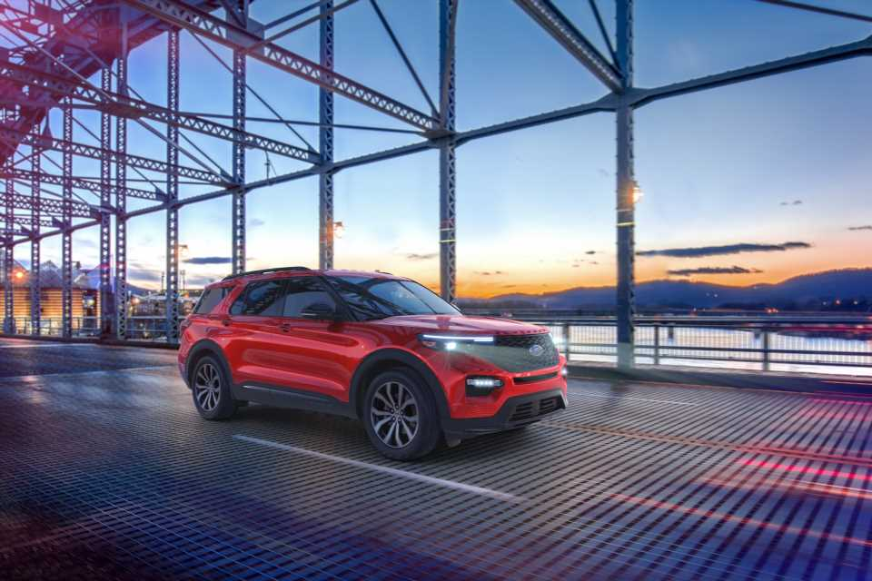 2021 Ford Explorer offers less expensive ST and Platinum variants
