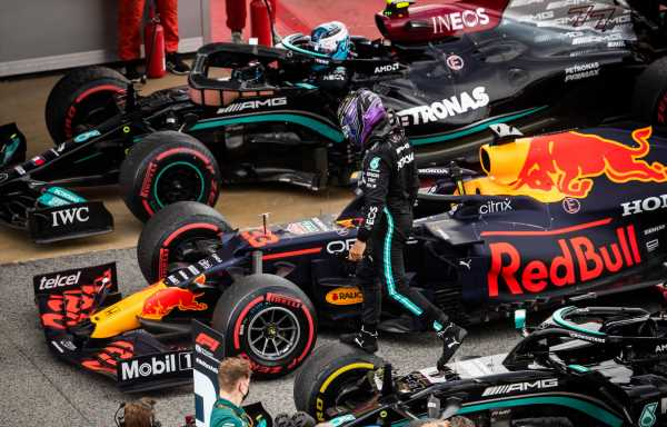 'Red Bull are favourites, Mercedes enjoying the hunt'