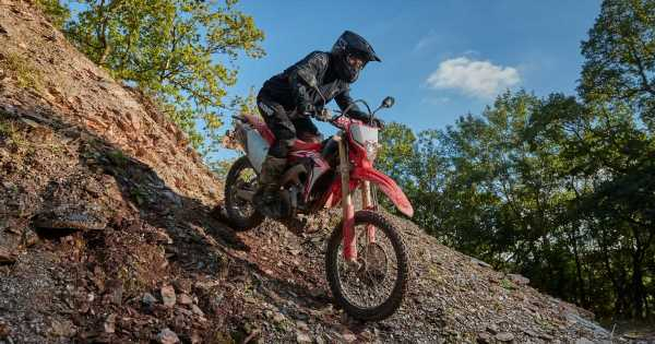 I Tried Enduro Riding For The First Time (And I Sucked At It)
