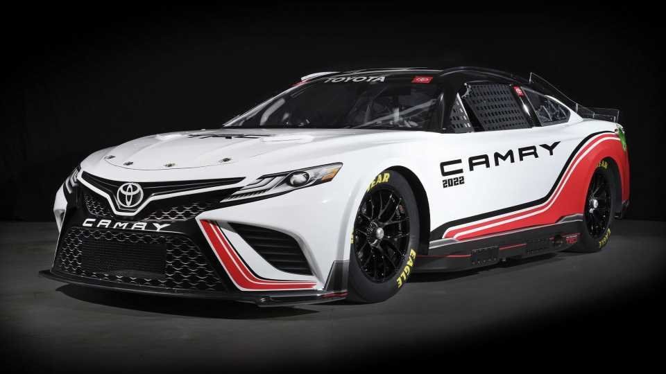 Next-Gen NASCAR Cup Racer Debuts With Independent Suspension, Five-Speed Transaxle, Composite Body