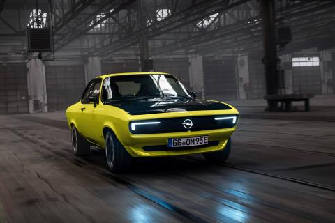 Opel Manta GSe EV unveiled with 4-speed MT & rear-wheel drive