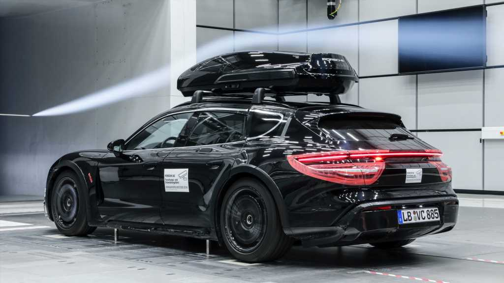 The Porsche Performance Roof Box is Designed for High Speeds