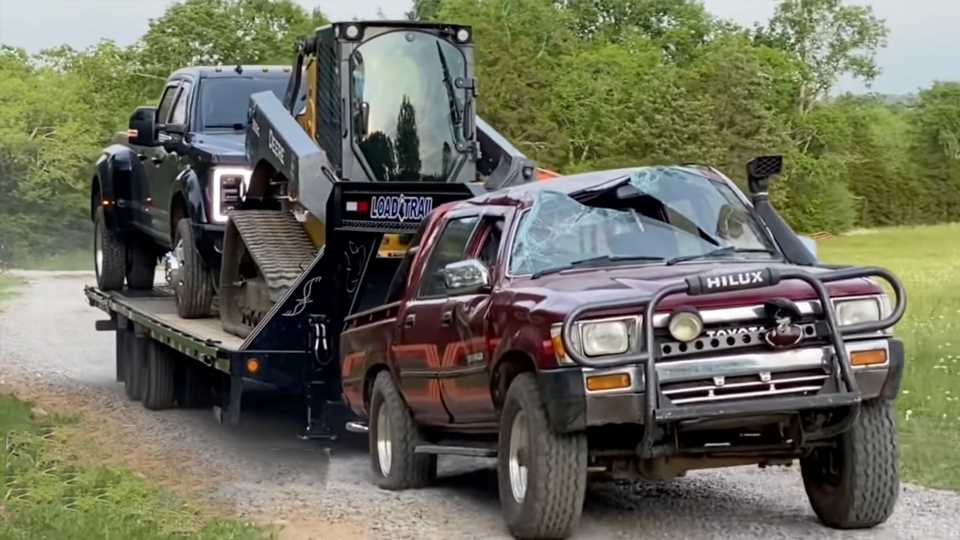 Watch a Beat Toyota Hilux Pickup Tow 30,000 Pounds With a Gooseneck Trailer