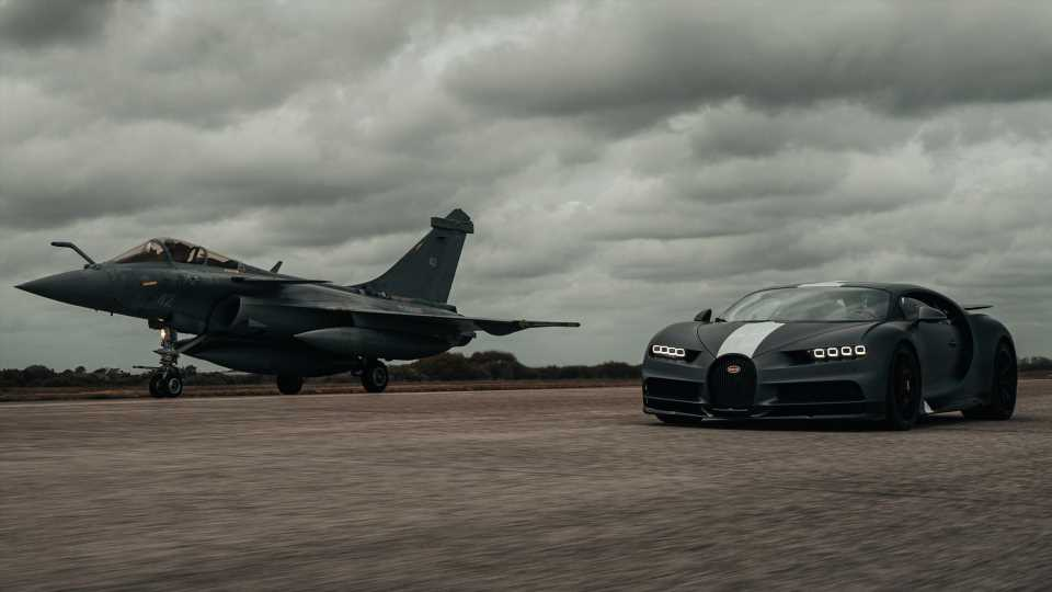 Watch the 1,479-HP Bugatti Chiron Sport Drag Race a French Fighter Jet