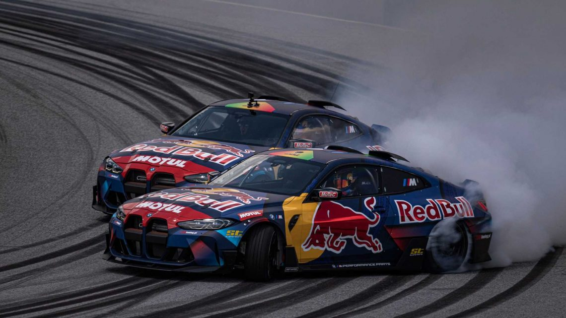 2021 BMW M4 Competition With Top-Mounted Exhaust Goes Tandem Drifting