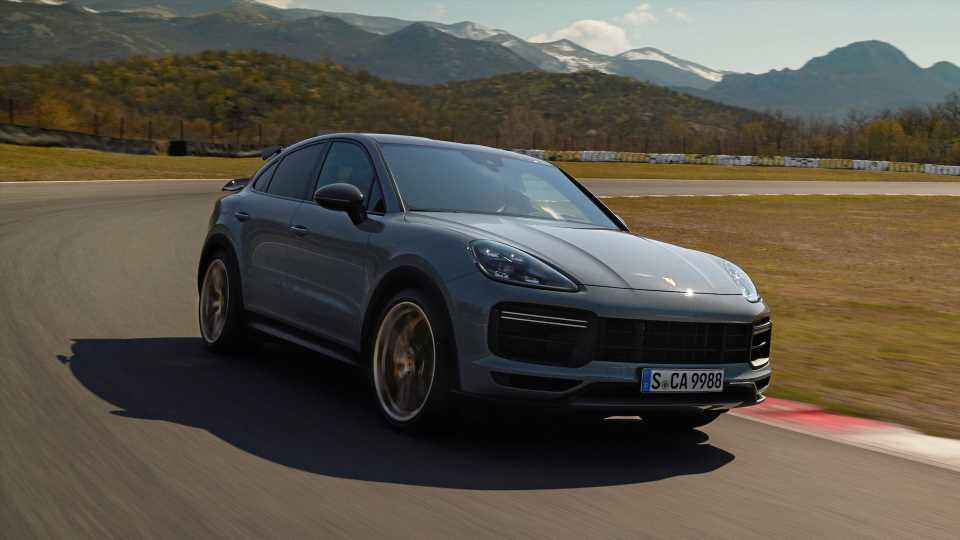 2022 Porsche Cayenne Turbo GT: A 631-HP SUV That Beats the 911 GT3 to 60 MPH