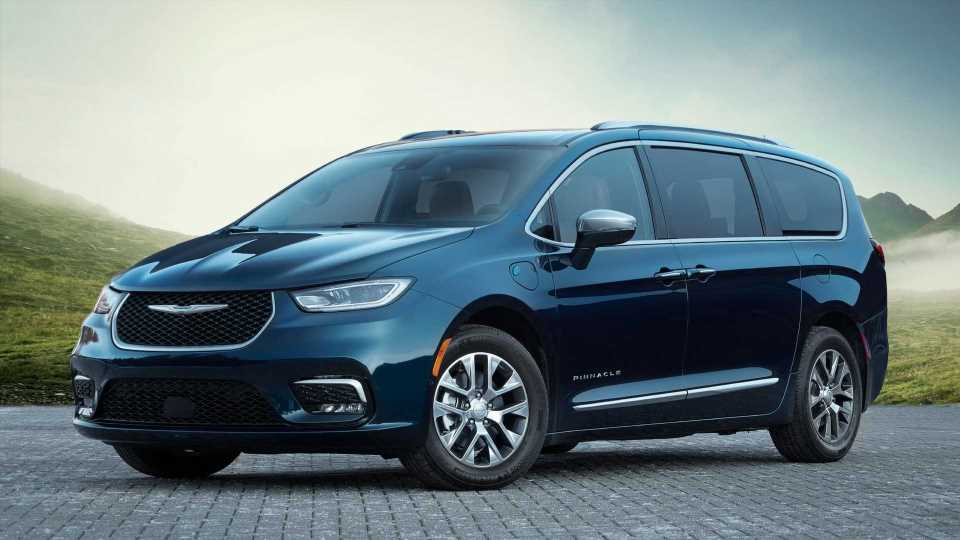 Chrysler Pacifica And Voyager Production Paused For The Whole Month