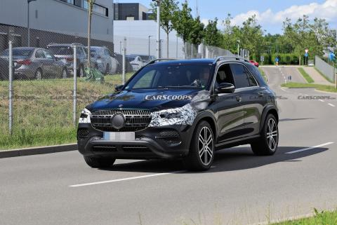 New Mercedes-Benz GLE facelift spied testing ahead of launch