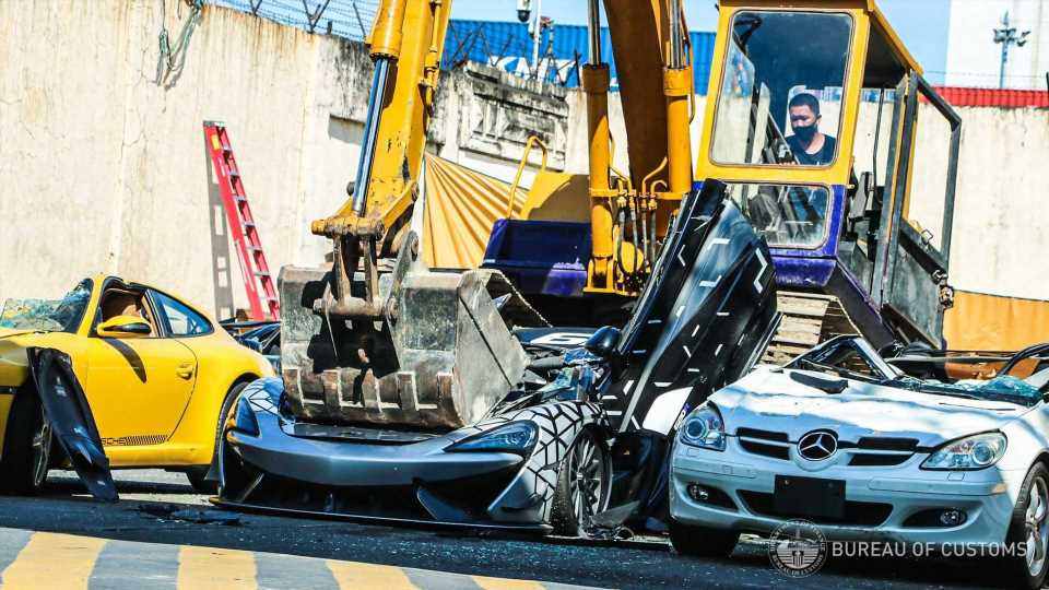 Philippines Destroys Illegally Imported McLaren 620R, Many Others