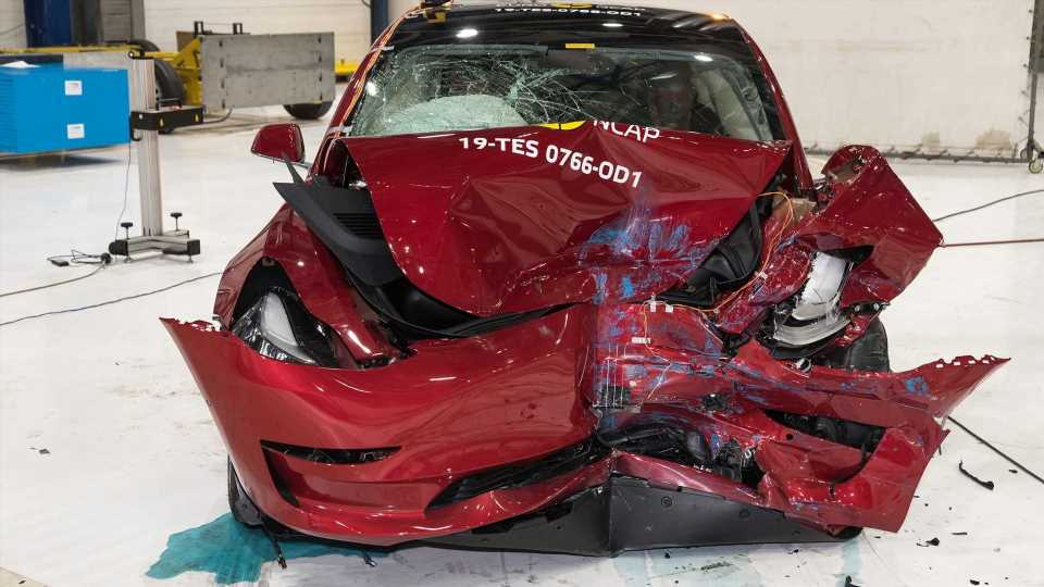 Tesla Model 3 Owner Says Car Saved His Pregnant Girlfriend & Son