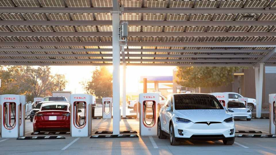 Tesla Will Share Supercharger Network in 2022