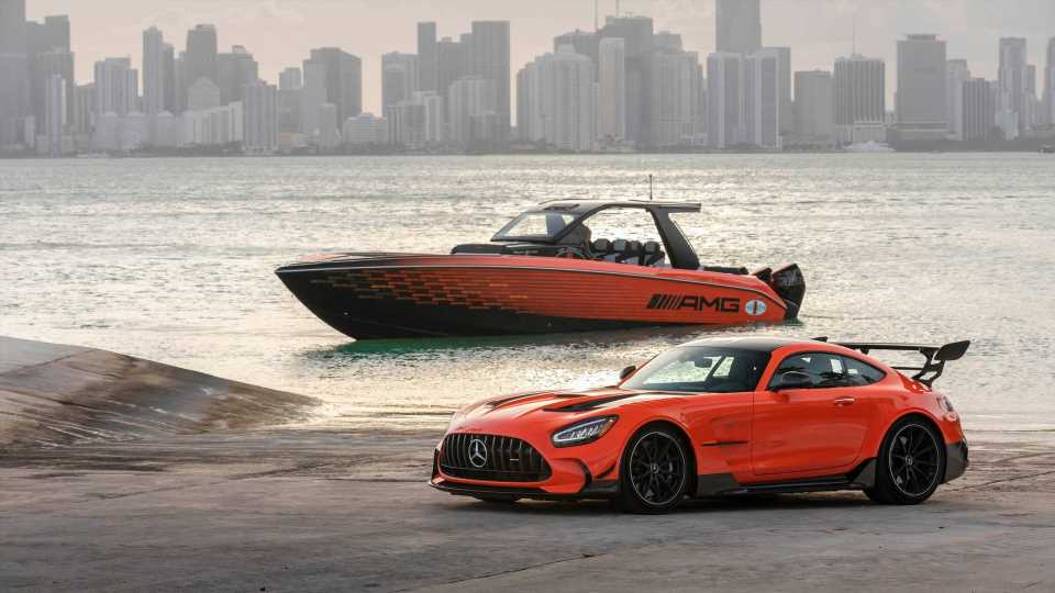 The 2,250-HP Cigarette 41' Nighthawk Boat Is an AMG Black Series for the Water