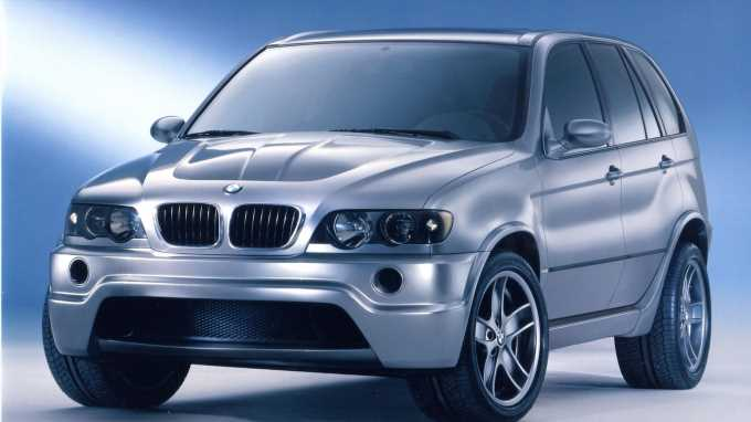 The BMW X5 Le Mans Prototype Had a Screaming Race-Spec V-12