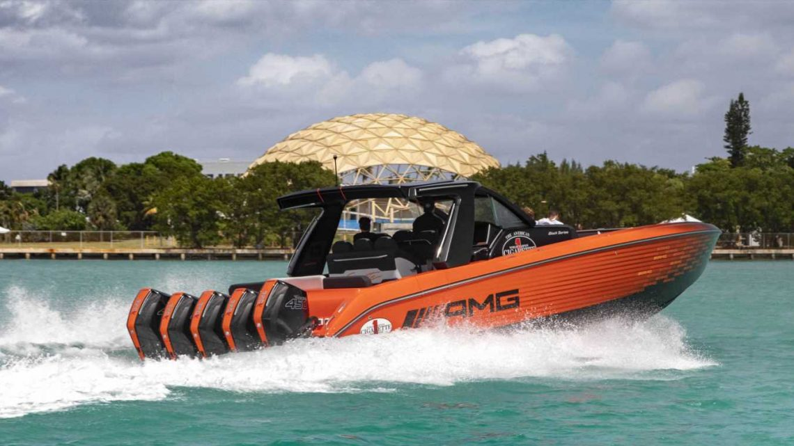 The Cigarette Nighthawk is the AMG Black Series of Boats