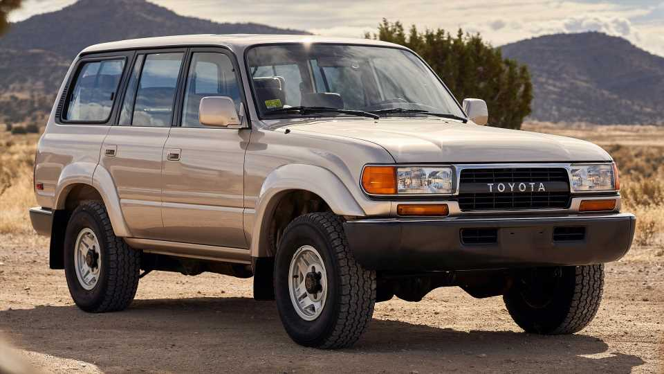 Toyota Used the '90s Land Cruiser to Benchmark the 2022 Model