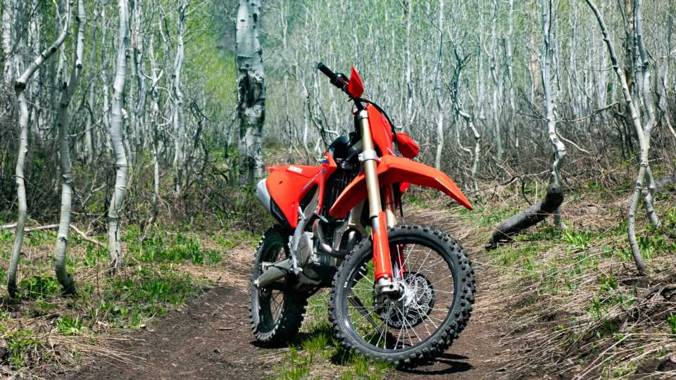 2022 Honda CRF450RX Review: A Punchy Race Bike You Can Adventure With