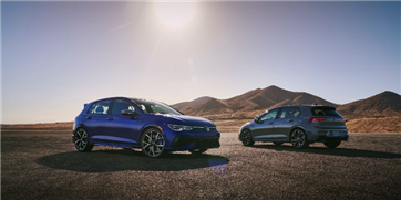 2022 Volkswagen GTI and Golf R Bow and Wow In Chicago During the Dog Days of Summer