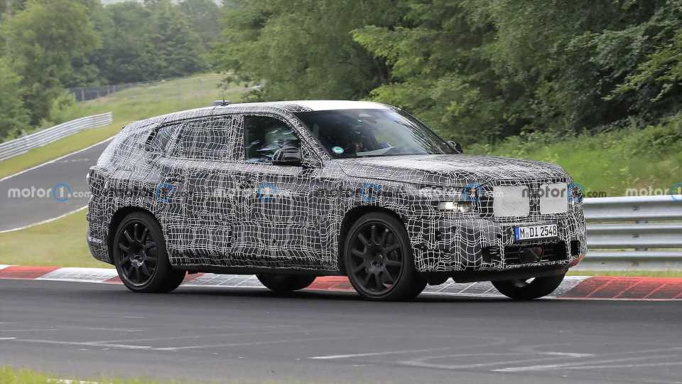 BMW X8 Spied Showing Unusual Tailpipe Layout For The First Time