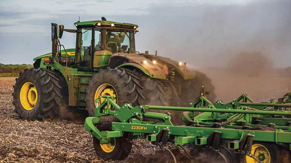 Biden to Sign Order Protecting Farmers' Right to Repair Tractors