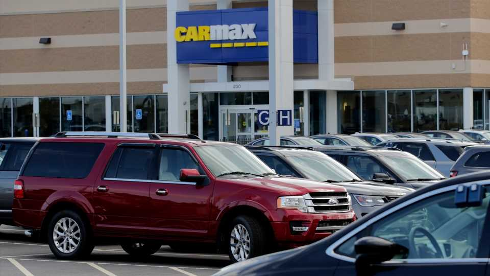 Car Dealership Chains Are Making a Killing This Summer