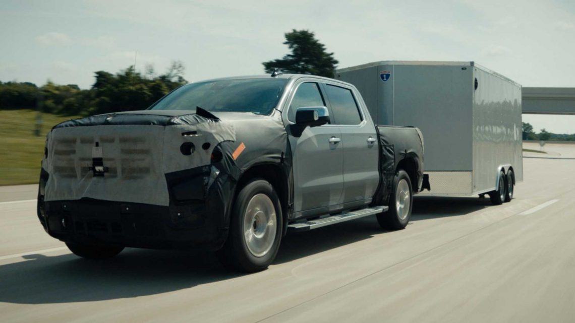GM Super Cruise Upgrade Adds Towing Support, Automatic Lane Changes