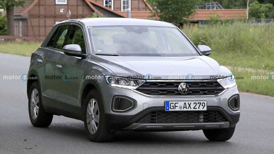 VW T-Roc, T-Roc R-Line Facelift Undisguised In First Set Of Spy Photos