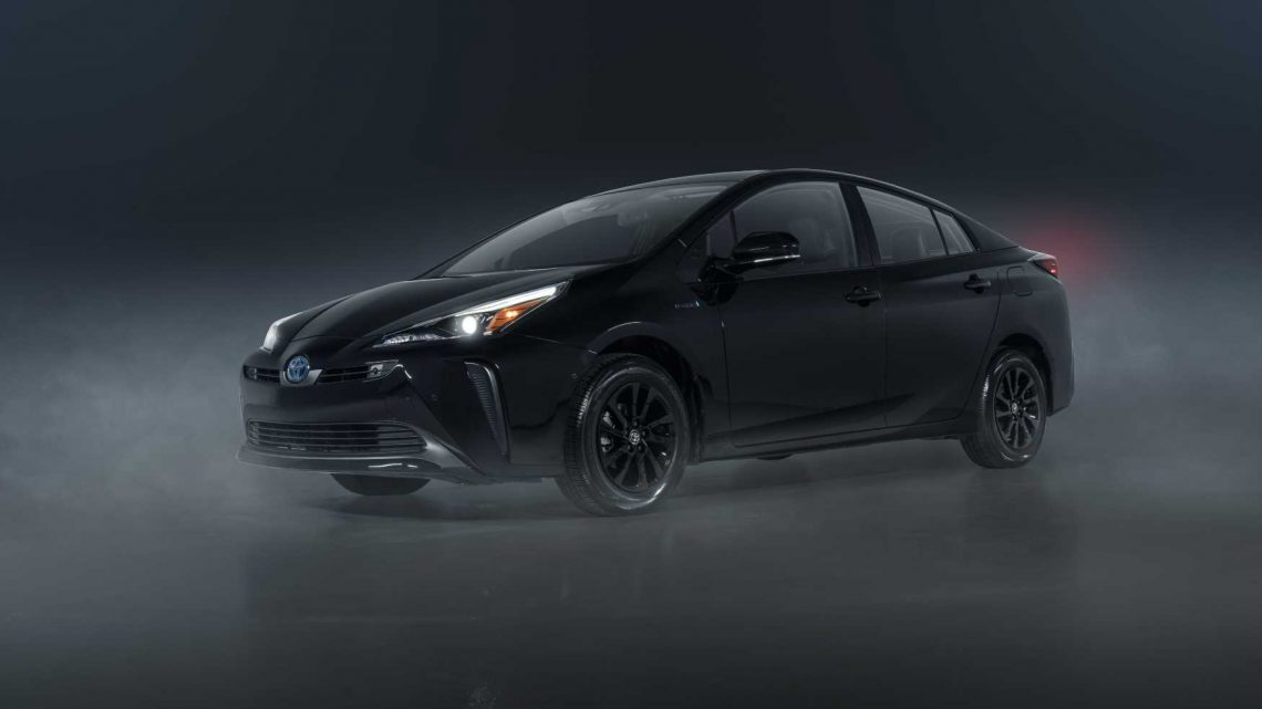 2022 Toyota Prius rolls on with same price, high mpg, new Nightshade Edition