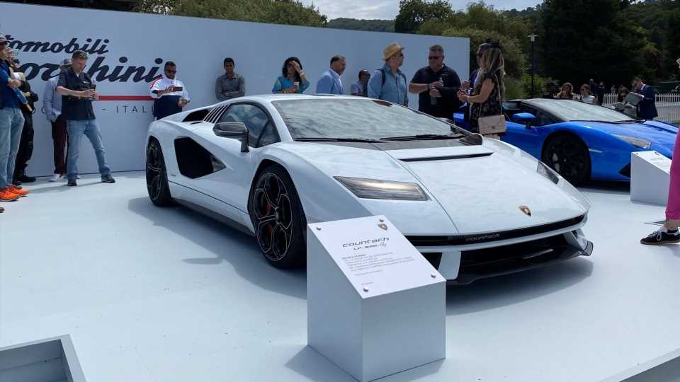 Lamborghini Is Not Ready to Give Up Its V12