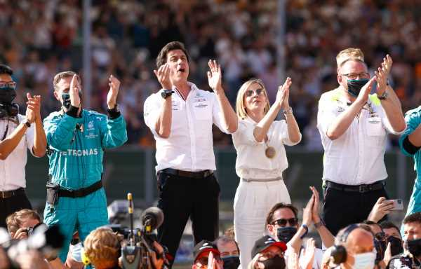 Susie Wolff: Christian Horner 'must take the emotion out of it'