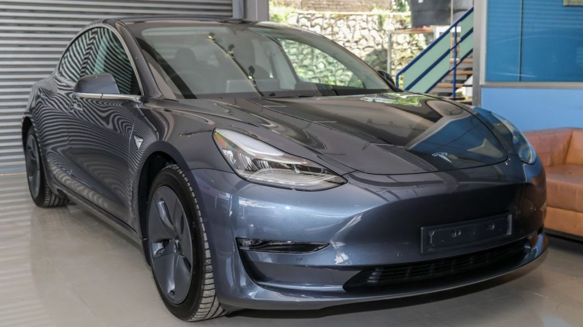 Tesla Model 3 in Singapore – vehicle demand outweighs supply; 1,200 orders to 500 available cars – paultan.org