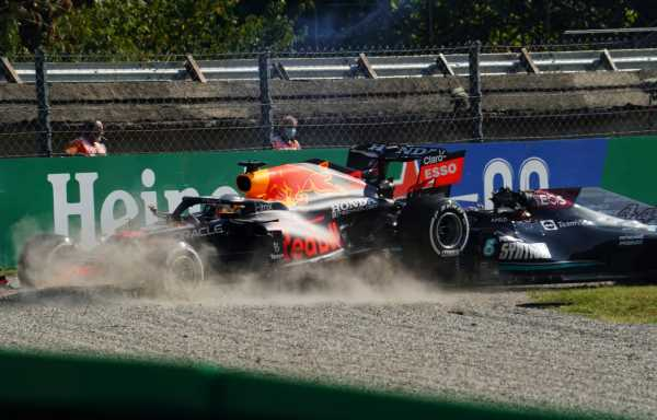 'Hamilton would've done better to release the brake'