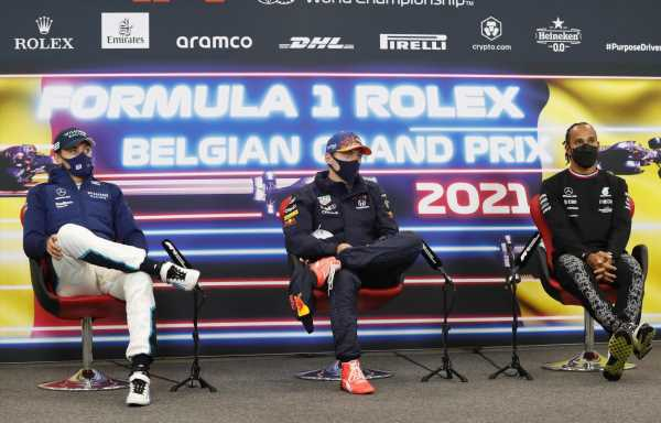 Horner 'fascinated' to watch Merc 2022 line up play out