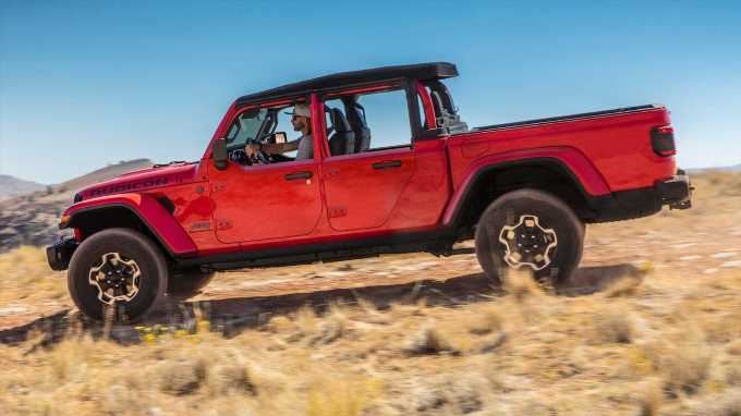 Jeep Gladiator Pickup Now Available With Pricey Factory Half Doors
