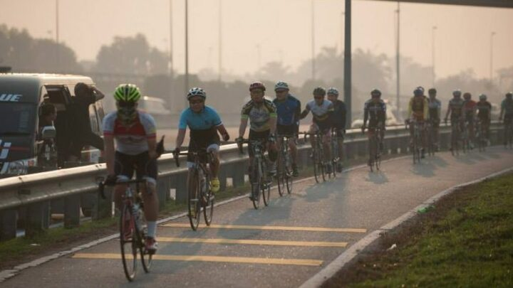 Cycling on highways in Malaysia – up to RM5,000 fine, or 12 month term in prison, says PDRM – paultan.org