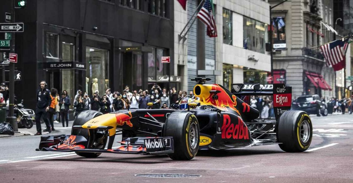 Video: Red Bull Redfines Rush Hour With F1 Joy Ride Through New York City